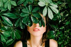 Eco-fashion Women and Plants